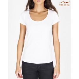 T-shirt branco com gola...
