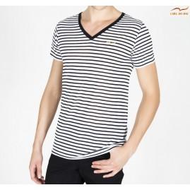T-shirt blanc et noir à...